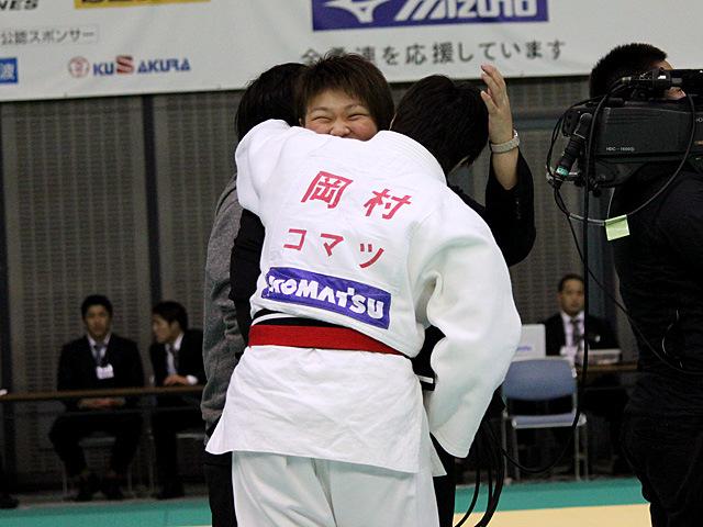 決勝終了後の岡村智美