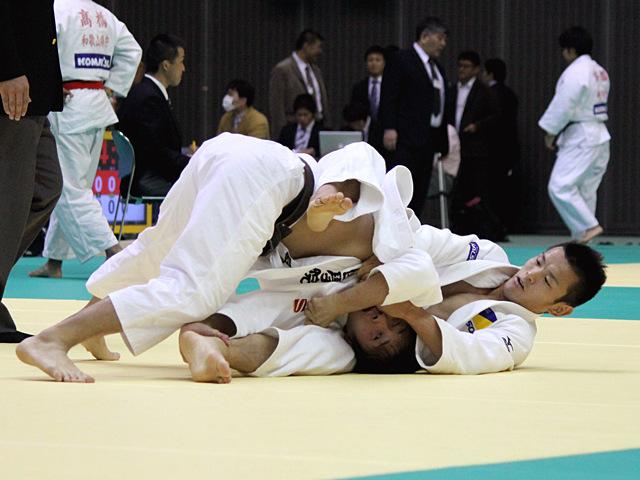 福岡政章 vs 渡邉共章