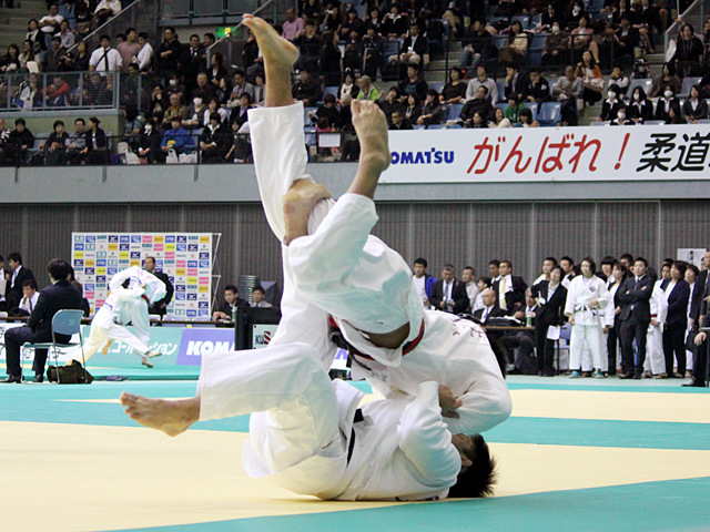 90kg級 穴井航史 vs 村上亮
