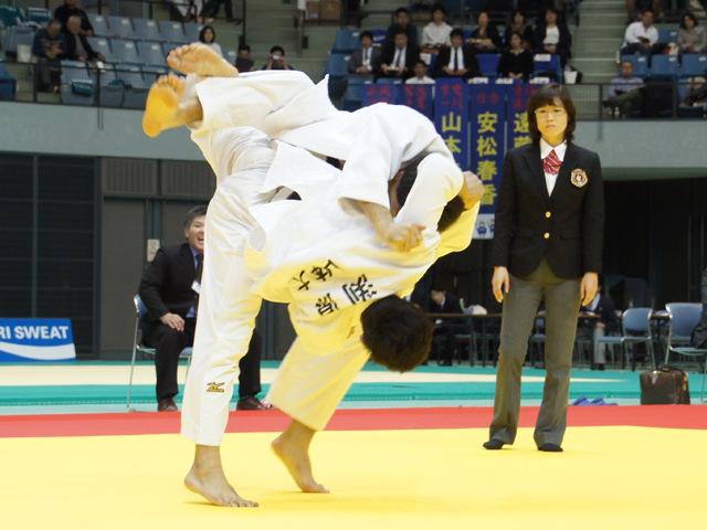 男子81kg級 3位決定戦 春山友紀 vs 渕原槙一