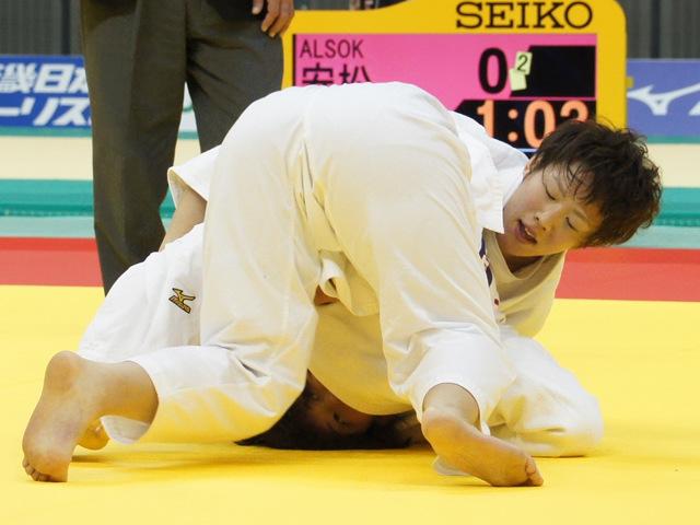 女子70kg級 準決勝戦 大野陽子 vs 安松春香
