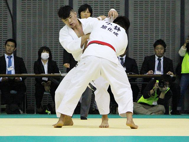 平成28年度講道館杯全日本柔道体重別選手権大会 男子90kg級 4回戦 向翔一郎 vs 小林悠輔