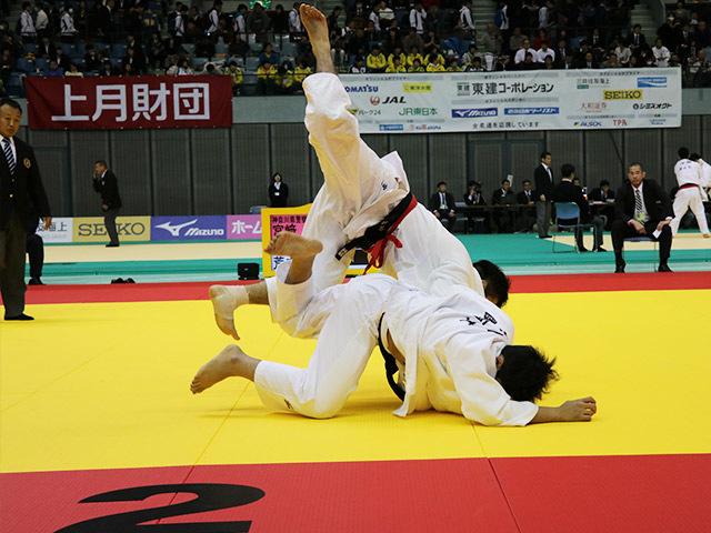 男子100kg級 1回戦 宮崎賢司 vs 荒木佳祐