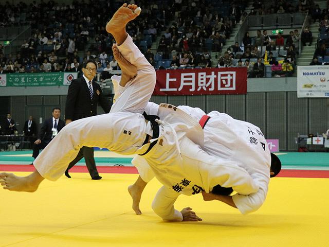 男子100kg級 飯田健太郎 vs 伊藤好信