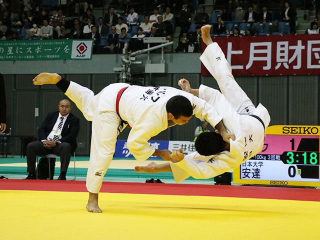男子100kg級 ウルフアロン vs 安達裕助