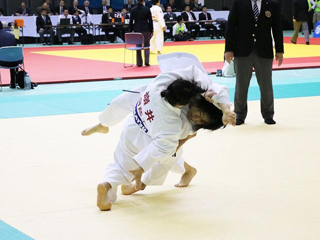 女子63kg級 2回戦 嶺井美穂 vs 田坂冴