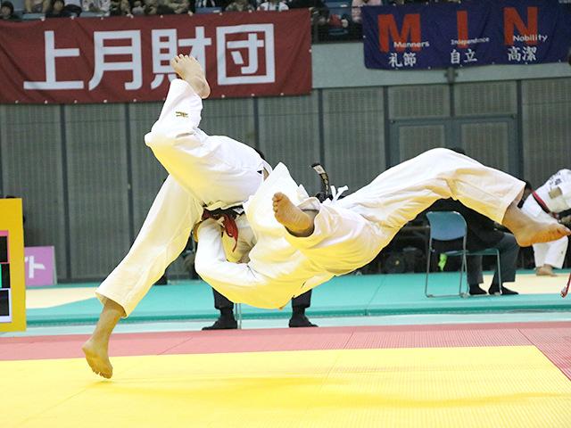 男子100kg級 飯田健太郎 vs 関根聖隆
