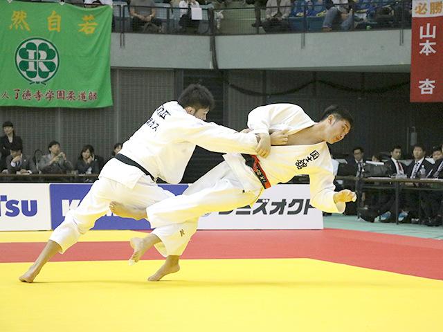 男子100kg級 飯田健太郎 vs 下和田翔平