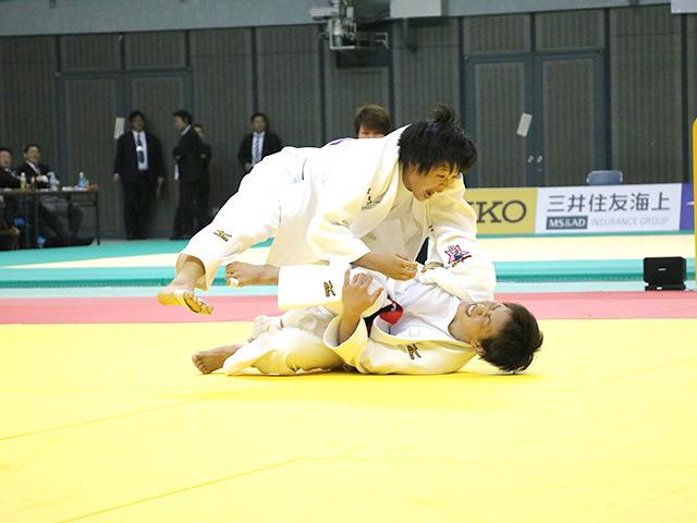 女子57kg級 宇高菜絵 vs 山本杏