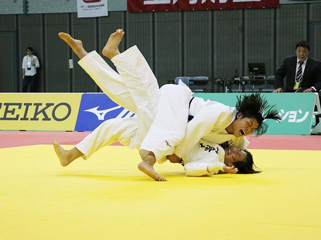 女子70kg級 決勝戦 田中志歩 vs 朝飛七海�B