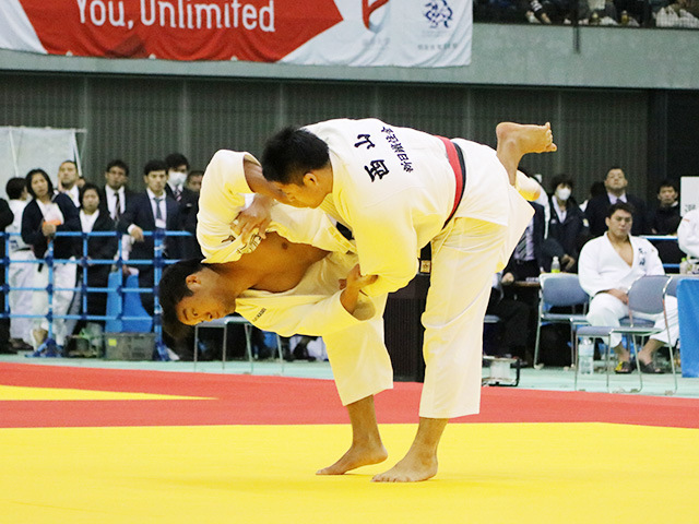 男子100kg級 西山大希 vs 羽賀龍之介