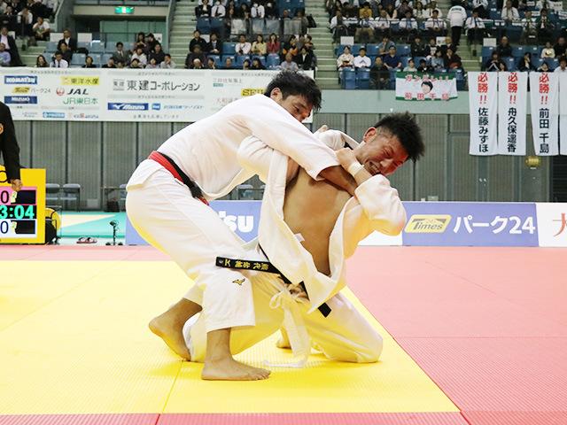 男子100kg級 羽賀龍之介 vs 熊代佑輔