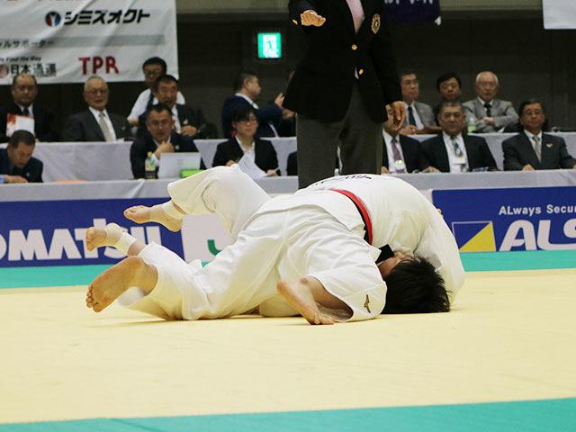 2回戦 冨田若春vs黒木七都美�A