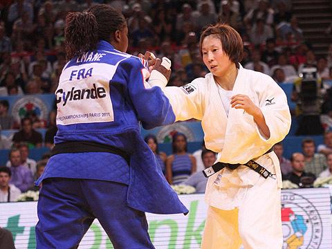 女子63kg級決勝 上野-G.エマヌ