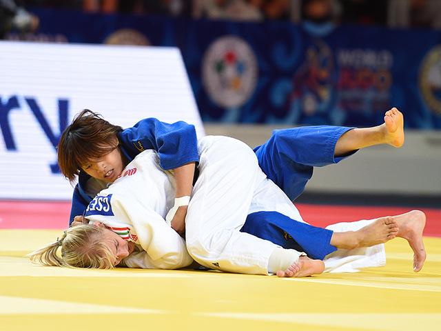 女子個人48kg級敗者復活戦 近藤 亜美選手 vs E.CSERNOVICZKI選手�A