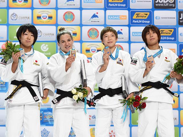 女子個人48kg級表彰式