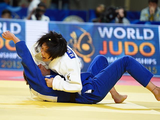 女子52kg級 3回戦 中村美里 vs T.LEVYTSKA