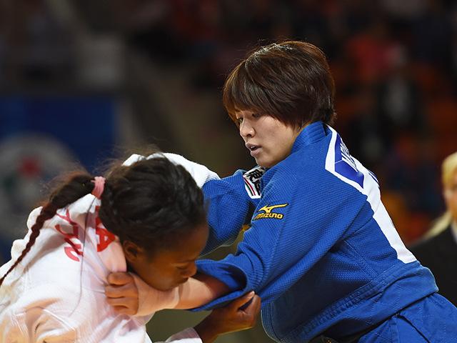 2015年アスタナ世界柔道権大会/国別団体戦 女子63kg級 準々決勝 田代未来 vs C.AGBEGNENOU�A
