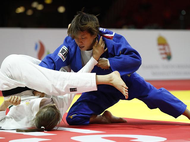 女子48kg級 3位決定戦 近藤亜美 vs M.NIKOLIC