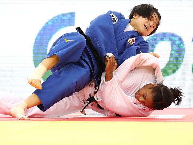 2018年バクー世界柔道選手権大会/国別団体戦 女子57kg級 決勝戦 芳田司 vs N.SMYTHE-DAVIS�@