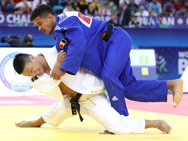2018年バクー世界柔道選手権大会 男子81kg級 4回戦 藤原崇太郎 vs S.CHOUCHI�@
