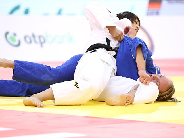 2018年バクー世界柔道選手権大会/国別団体戦 女子70kg級 2回戦 新井千鶴 vs G.HOWELL�A