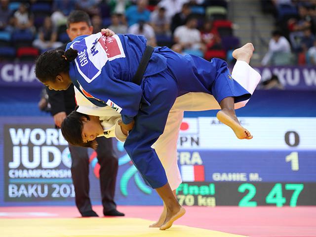 2018年バクー世界柔道選手権大会/国別団体戦 女子70kg級 決勝戦 新井千鶴 vs M.GAHIE�A