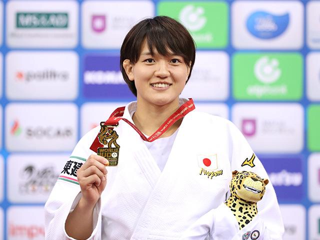 2018年バクー世界柔道選手権大会/国別団体戦 女子70kg級 表彰式 新井千鶴