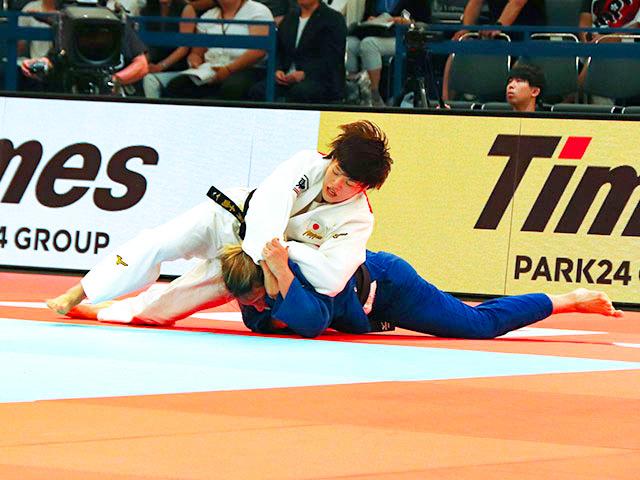 女子70kg級 新井千鶴 vs B.TIMO