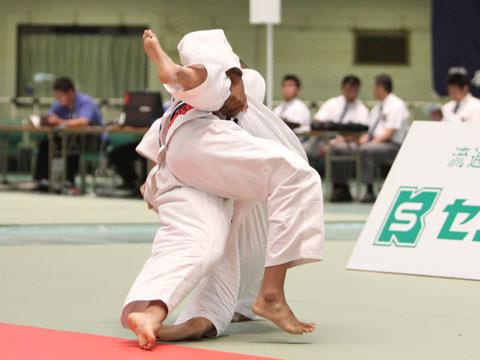 女子70kg級準決勝 高橋ルイ−唐鎌千鶴�A