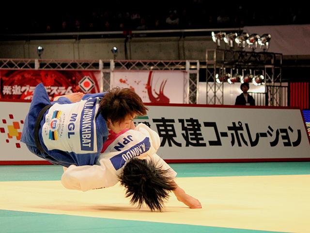 48kg級 近藤亜美 vs U.MUNKHBAT