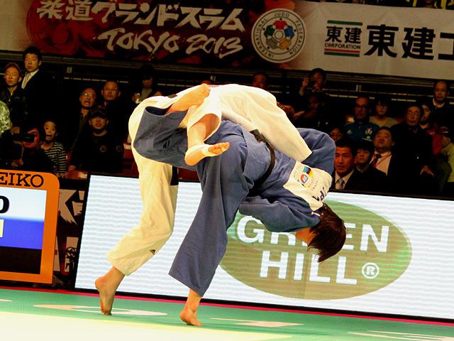 新井千鶴 vs K.POLLING