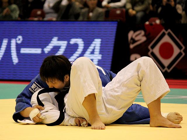 女子78kg級3位決定戦 佐藤瑠香vsK.THIELE