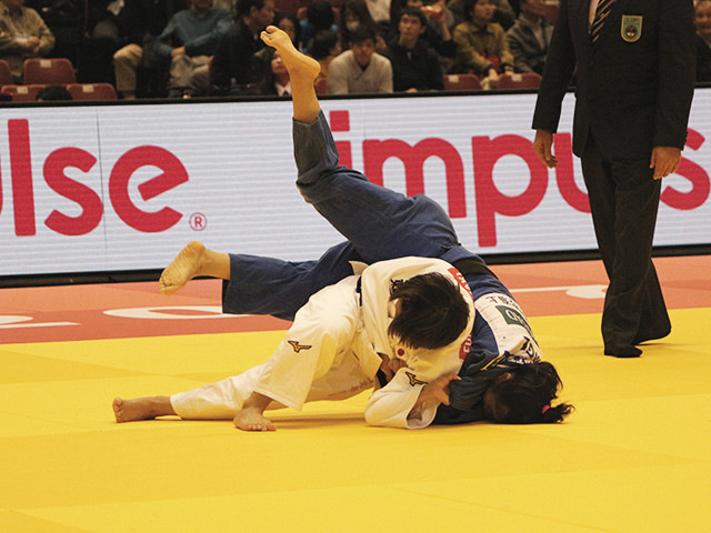 48kg級 渡名喜風南 vs K.BATTAMIR