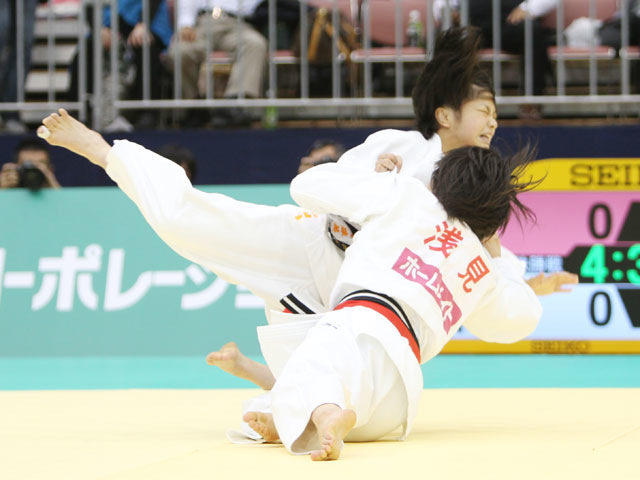女子48kg級 決勝 浅見八瑠奈−山崎珠美�@