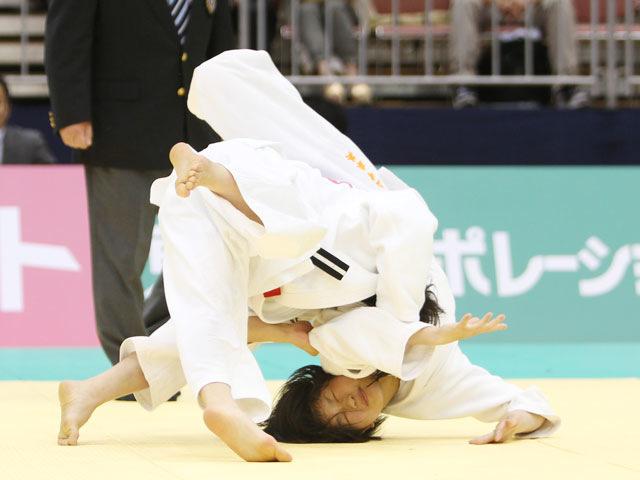 女子48kg級 決勝 浅見八瑠奈−山崎珠美�A