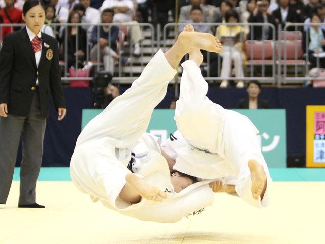 女子63kg級 準決勝 阿部香菜−津金恵�A