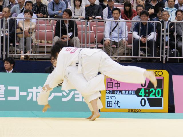女子63kg級 準決勝 田中美衣−田代未来�@