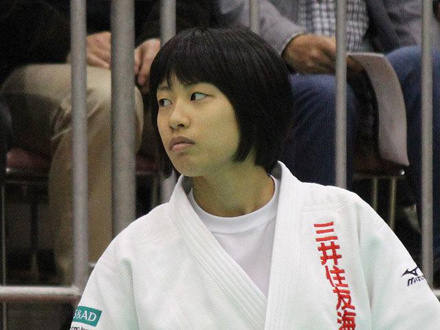 女子48kg級優勝