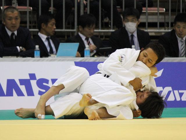 1回戦 高橋ルイ vs 新井千鶴