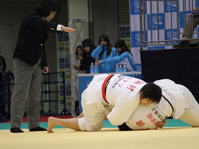 1回戦 岡村智美 vs 西田香穂