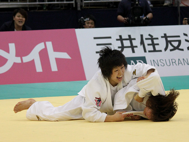 48kg級 浅見八瑠奈 vs 近藤亜美