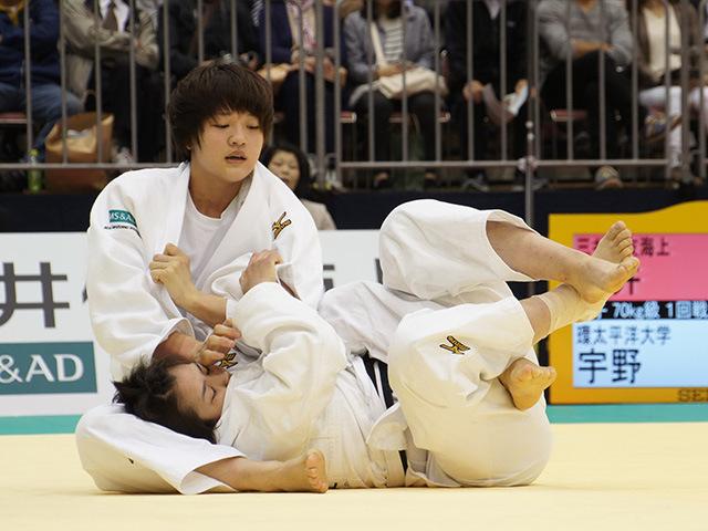 女子70kg級1回戦 新井千鶴vs宇野友紀子