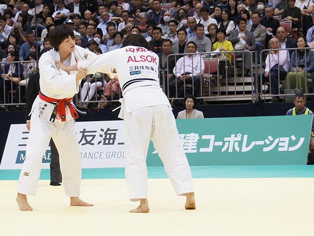女子70kg級決勝戦 田知本遥vs新井千鶴�@