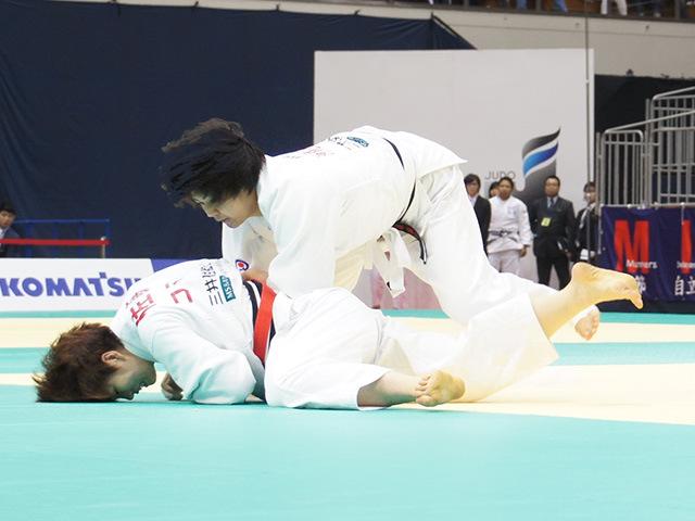 女子78kg級1回戦 佐藤瑠香vs赤嶺麻佑�A