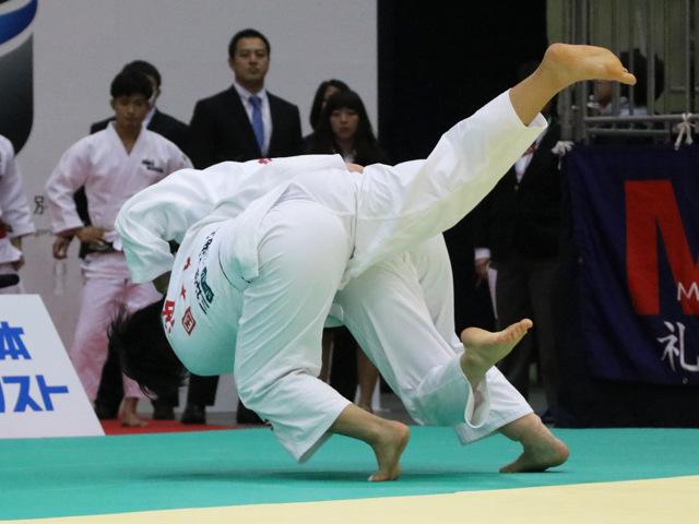 女子70kg級 新井千鶴 vs 池絵梨菜