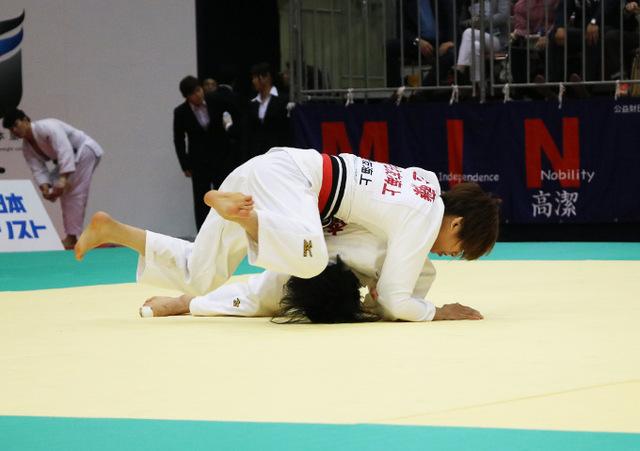 女子48kg級準決勝戦 近藤亜美vs森崎由理江