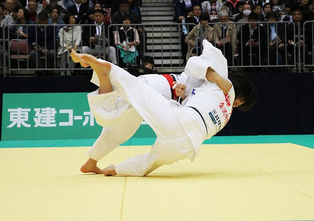 女子52kg級1回戦 阿部詩vs柳光真麻