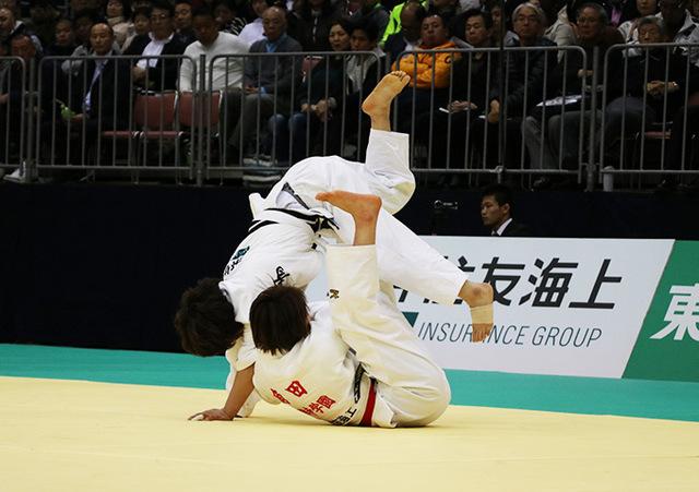 女子52kg級決勝戦 角田夏実vs志々目愛�A