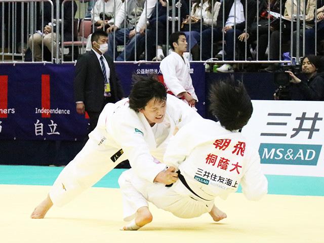 平成30年全日本選抜柔道体重別選手権大会 女子70kg級 1回戦 新井千鶴 vs 朝飛七海�B